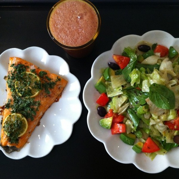 "Salmon , salad and juice. Lunch 22.8.12 after an 18 hour ""fasting"""