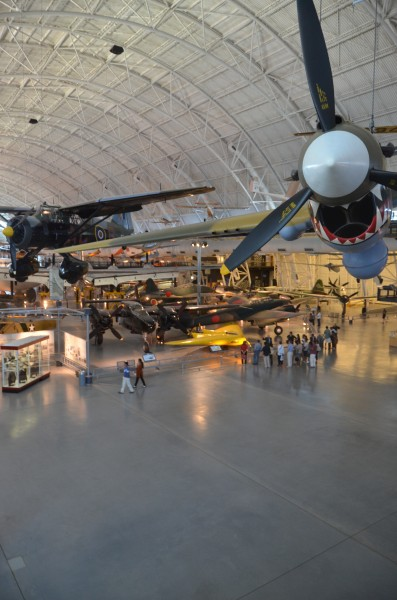 Steven F. Udvar-Hazy Center: main hall panorama (P-40 et al)