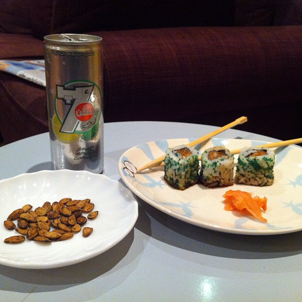 Sushi from Sultan, diet 7 up and small handful Hamadani seeds dinner 28.5.12