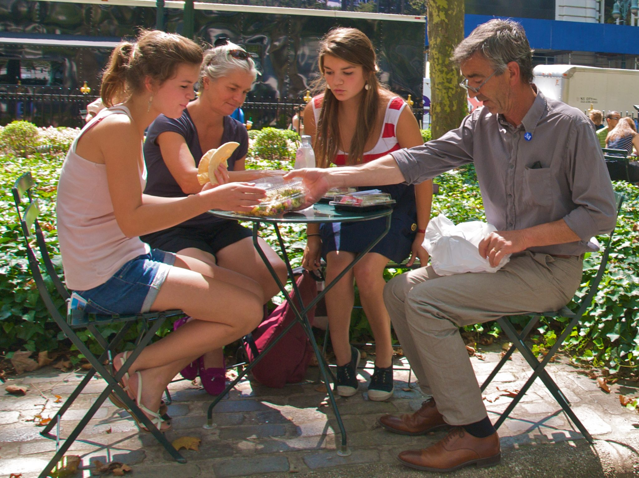 Summertime lunch at Bryant Park, Aug 2009 - 50